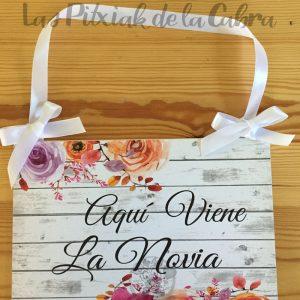 Cartel viene la novia orquideas y flores