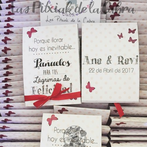 Lágrimas de felicidad, pañuelos para bodas lunares y mariposas