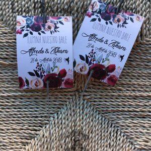 Bengalas con flores borgoña para bodas