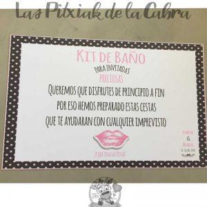 Cartel para el baño invitadas preciosas con lunares y labios rosas