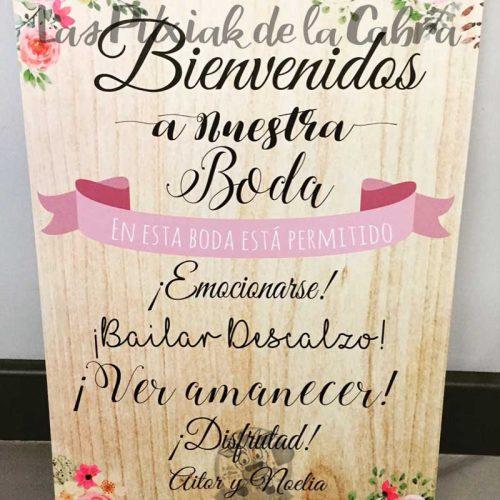 Cartel en esta boda está permitido bailar flores y madera