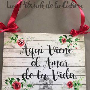 Cartel de boda viene el amor de tu vida con flores de acuarela