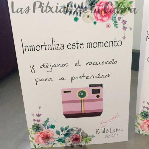 Cartel para bodas inmortaliza este momento polaroid rosa