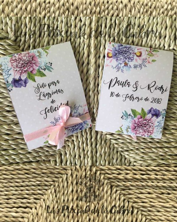 Pañuelos para lágrimas de felicidad de bodas con flores y lunares