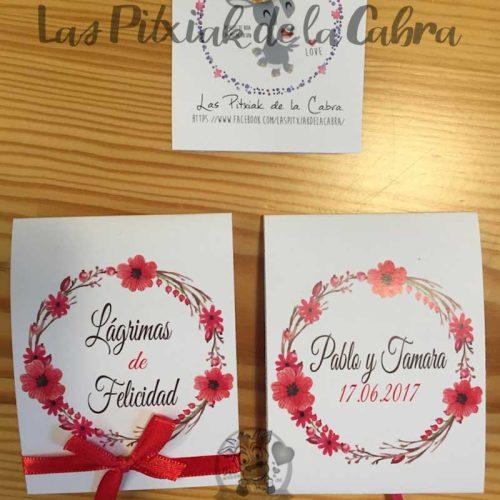 Lágrimas de felicidad para bodas con corona de flores rojas pañuelos