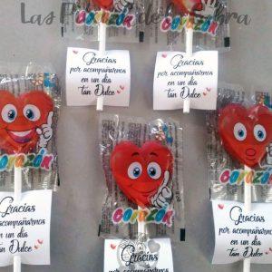 Piruletas para detalles de boda con forma de corazón