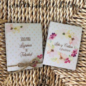 Pañuelos para boda lágrimas de felicidad flores románticas