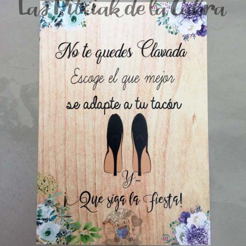 Cartel para bodas no te quedes clavada flores azules