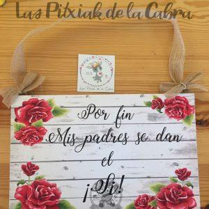 Cartel mis padres se dan el sí con flores rojas