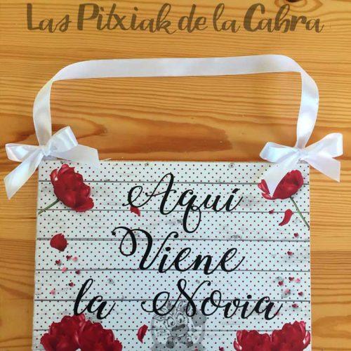 Cartel para boda flamenca viene la novia
