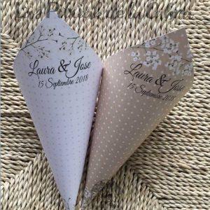 Conos para pétalos de boda en dos colores con paniculata