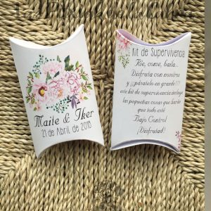 Kit de supervivencia para bodas con flores rosas