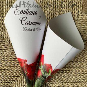 Conos para pétalos de boda con dibujo de rosas