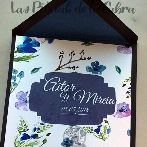Invitaciones de boda cuadrada con flores azules