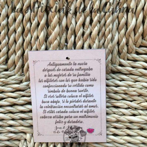 Tarjeta para alfileres de boda con texto explicando la leyenda