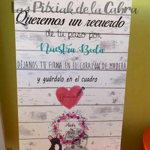 Cartel para boda corazón de madera