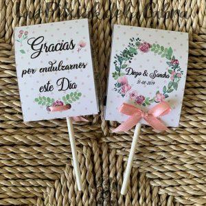 Piruletas de agradecimiento con corona de flores