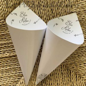 Conos para pétalos de boda invertidos blancos