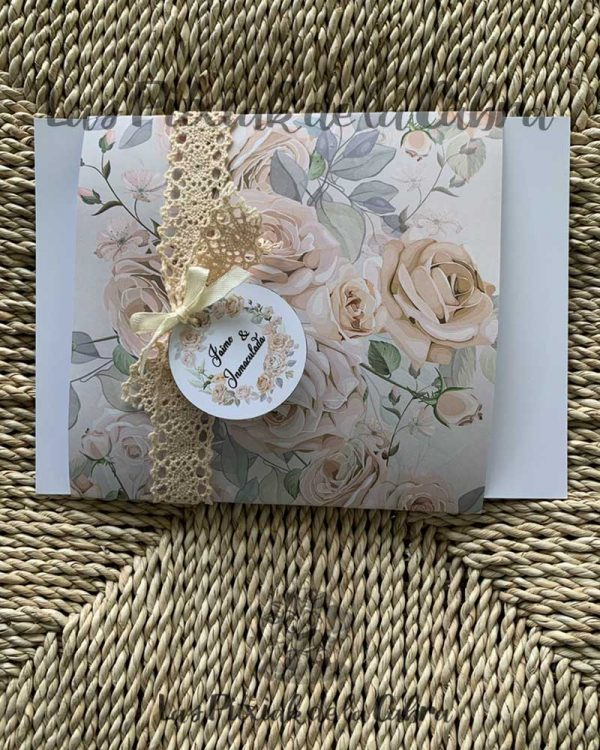 Invitación de boda romántica con flores vintage