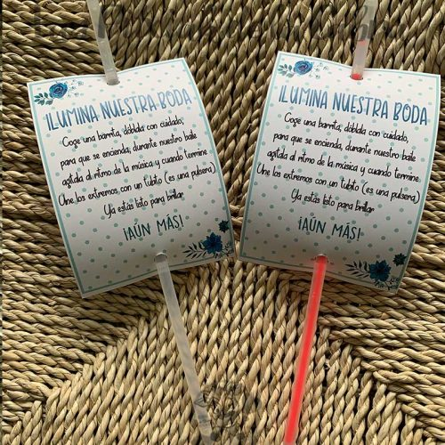 Barritas para iluminar tu boda flores azules