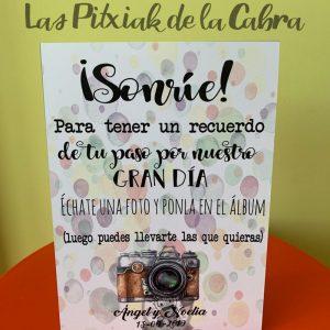 Cartel de boda sonríe